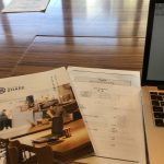 カフェコーナーで座学を。